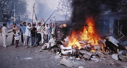 Gujarat_riot_(Photo_-_Outlook)486_Gujarat riot (Photo - Outlook)